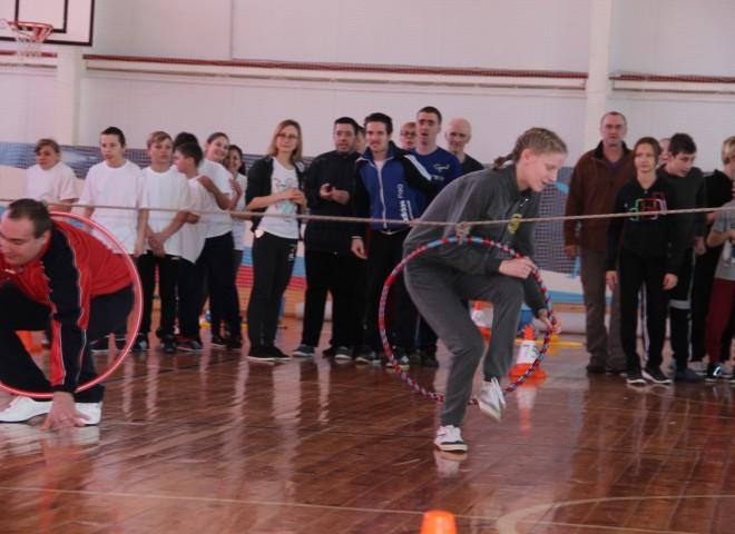 Студенты филиала приняли участие в проведении окружного спортивного праздника